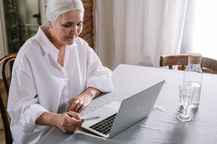 Best Laptop for Elderly Parents